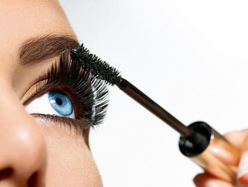 Những lỗi thường gặp khi dùng Mascara