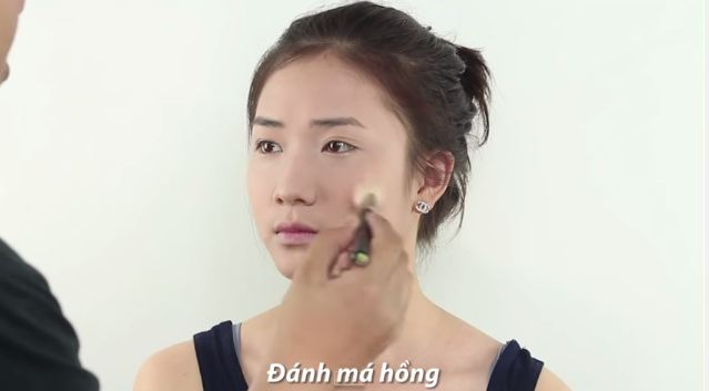 Trang điểm giống Song Hye Kyo